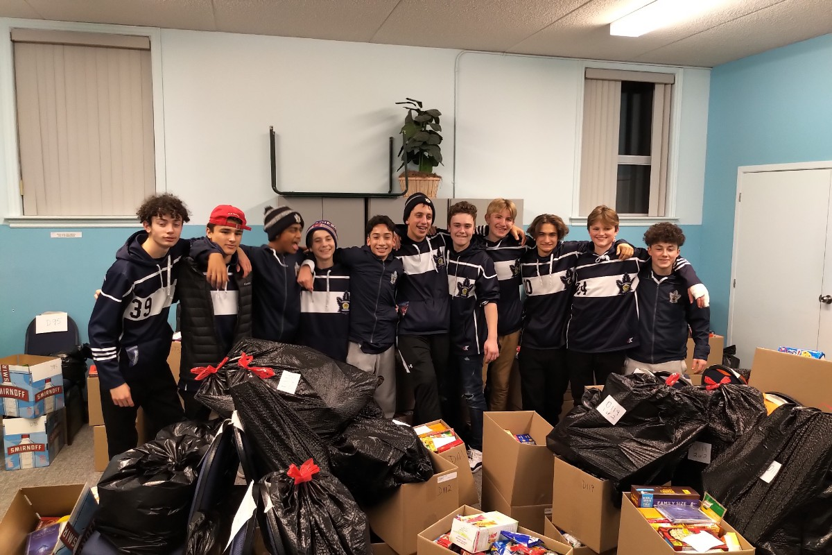 2019_Bantam_AAA_Hampers_of_Hope.jpg